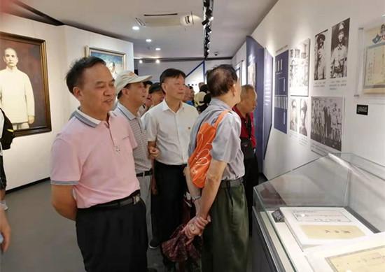 省监狱局局机关组织复退转军人参观黄埔军校旧址
