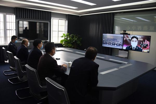 nEO_IMG_陈书记连线封闭执勤指挥部.jpg
