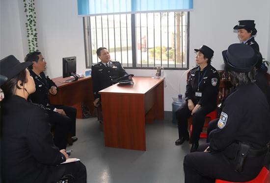 省监狱局局长李景言到女子监狱调研指导工作